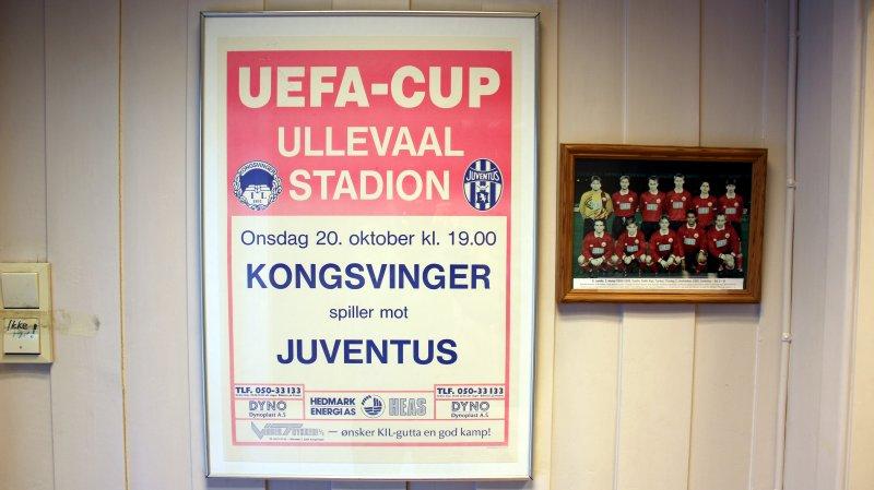 Minnene henger på veggen i klubbhuset.